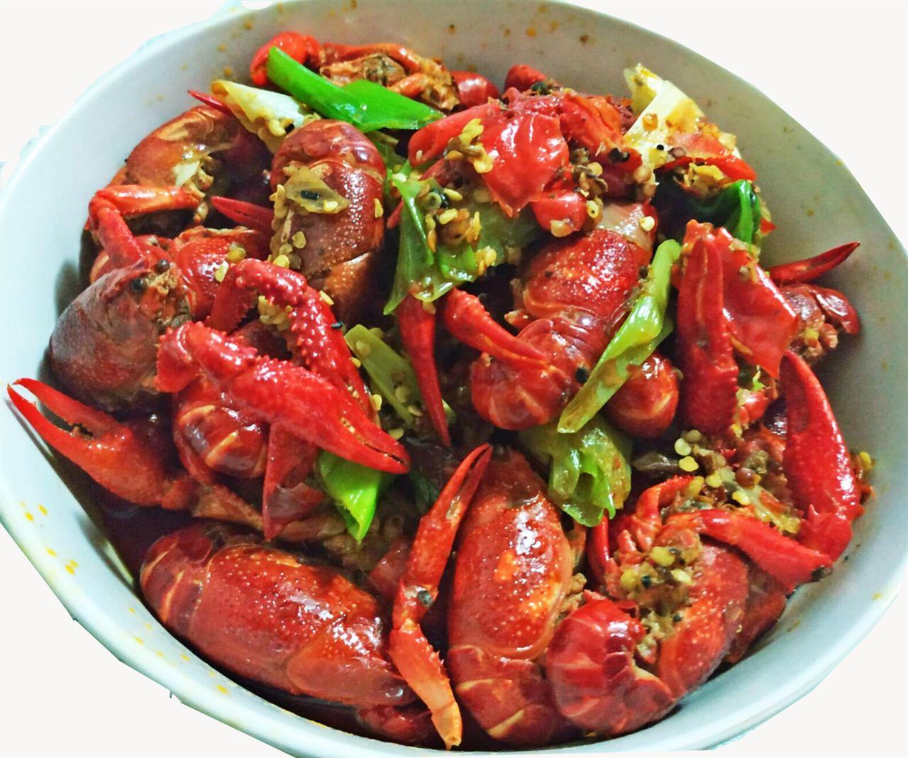 """小龙虾成外卖""""网红"""" 检测仪器告诉你怎么吃才安全"""