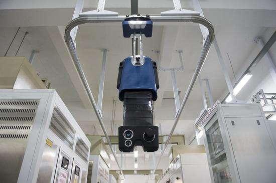 江苏溧阳供电公司首次启用智能巡检机器人