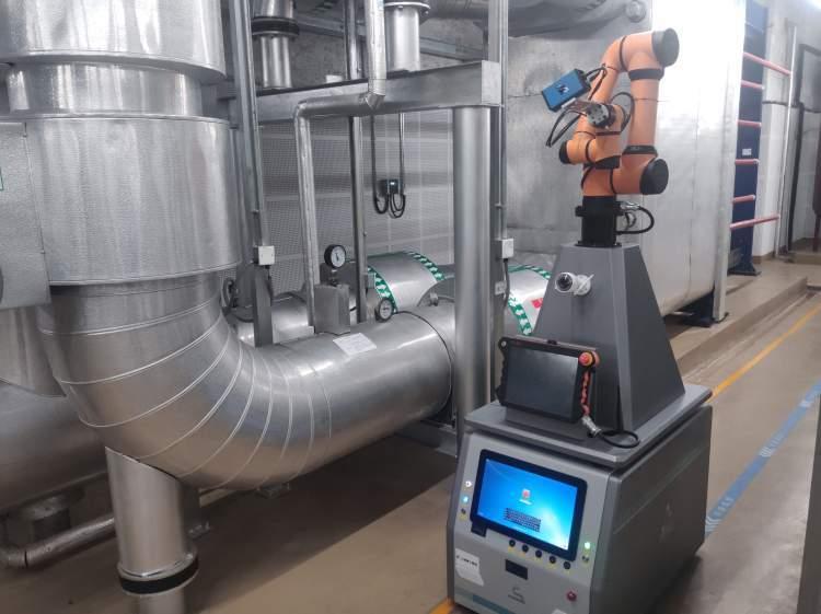 """上海建筑運維亮出新""""武器"""" 智能巡檢機器人上崗了"""