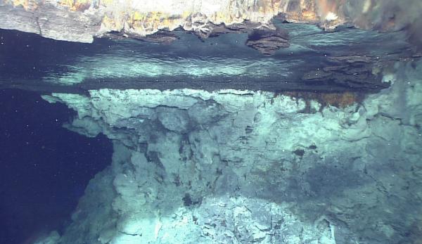 拉曼光譜設備在深海熱液區探尋氣態水過程中立下大功
